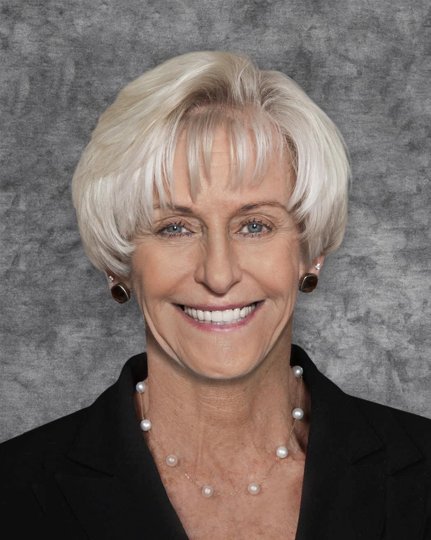 Cynthia Barron Headshot
