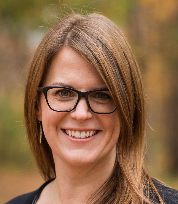 Dr. Kristine Schutz